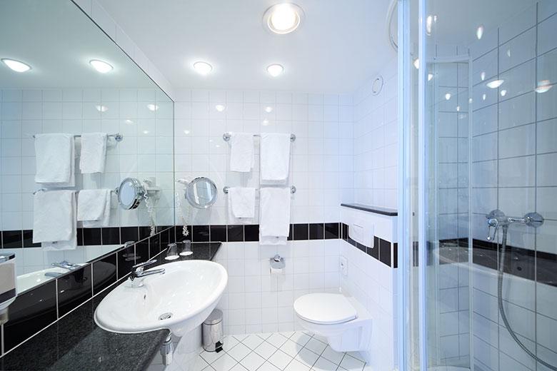 badkamer-voorbeelden-kleine-ruimte-2