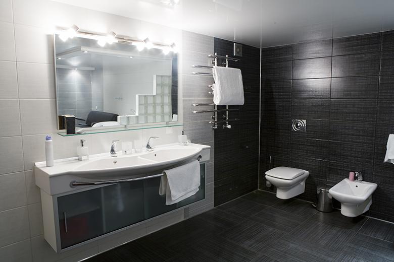 badkamer-zwart-wit-2