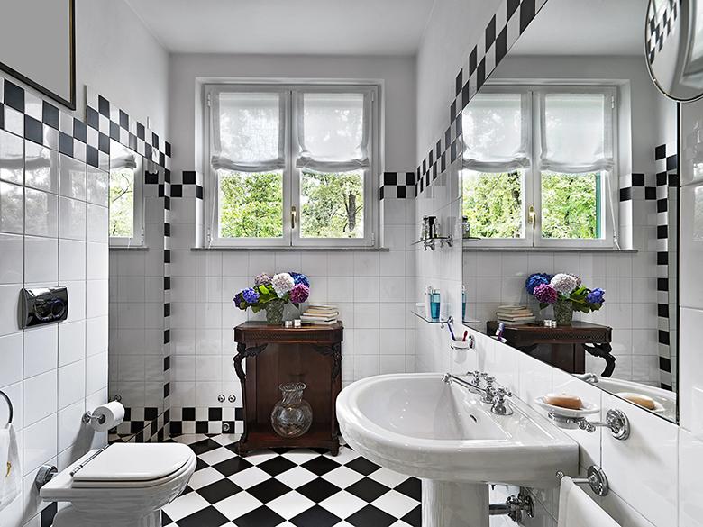 badkamer-zwart-wit-ruitjes-voorbeeld