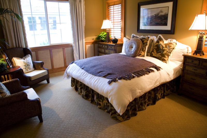 De rust die deze slaapkamer uitstraalt vind ik erg prettig. De ...