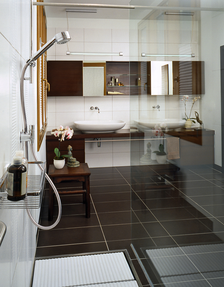 voorbeelden-zwart-witte-badkamer