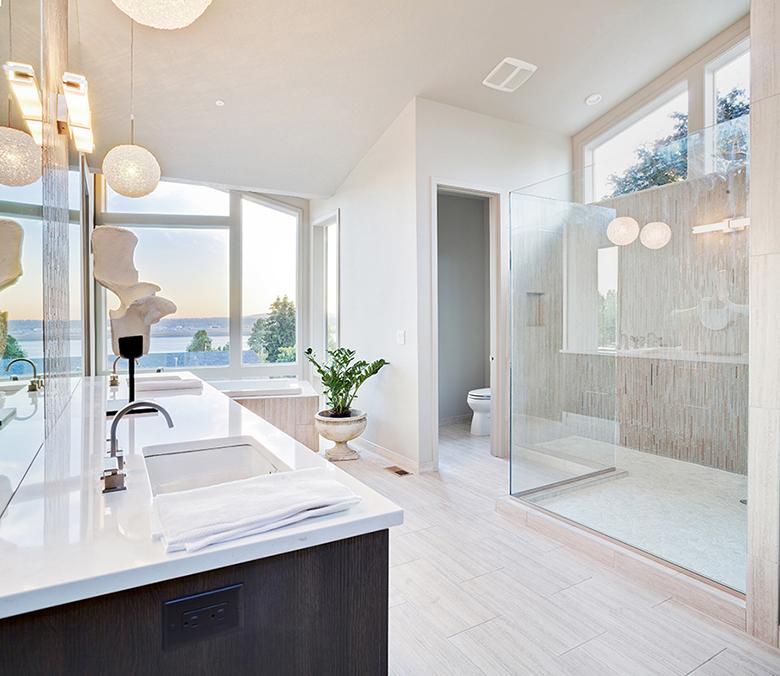 witte-badkamer-inloopdouche
