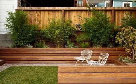 8 tips om een kleine tuin groter te laten lijken. Black Bedroom Furniture Sets. Home Design Ideas
