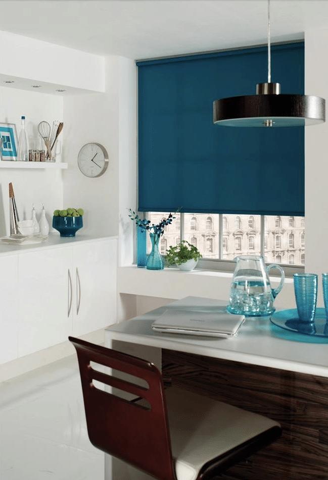 rolgordijn-keuken-blauw