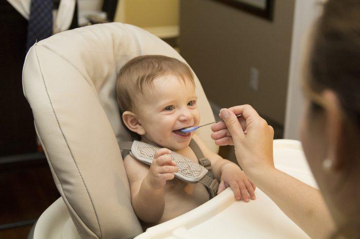 Zitstoel Voor Baby.De Ultieme Beschermtips Voor Een Interieur Met Baby