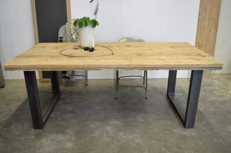 Steigerhouten tafels eetkamer