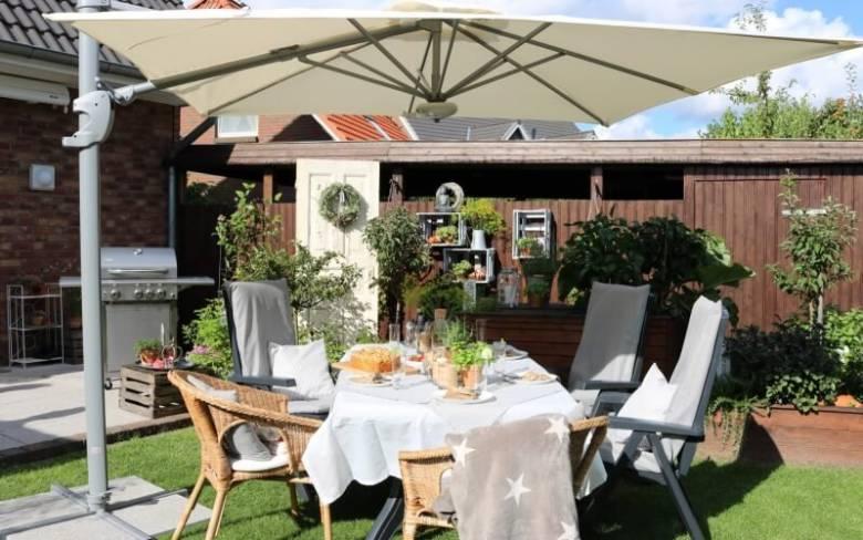 tafel tuin terras zomer parasol