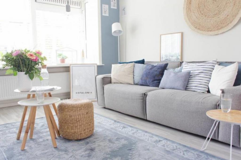 Meer kleur in de woonkamer? Een vloerkleed of arthouse behang zijn ...