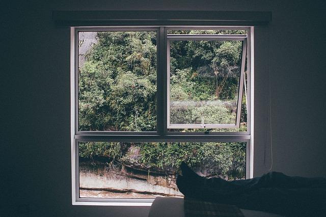 ventilatie: open raam