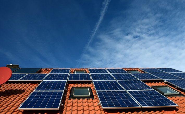 zonnepanelen met buren